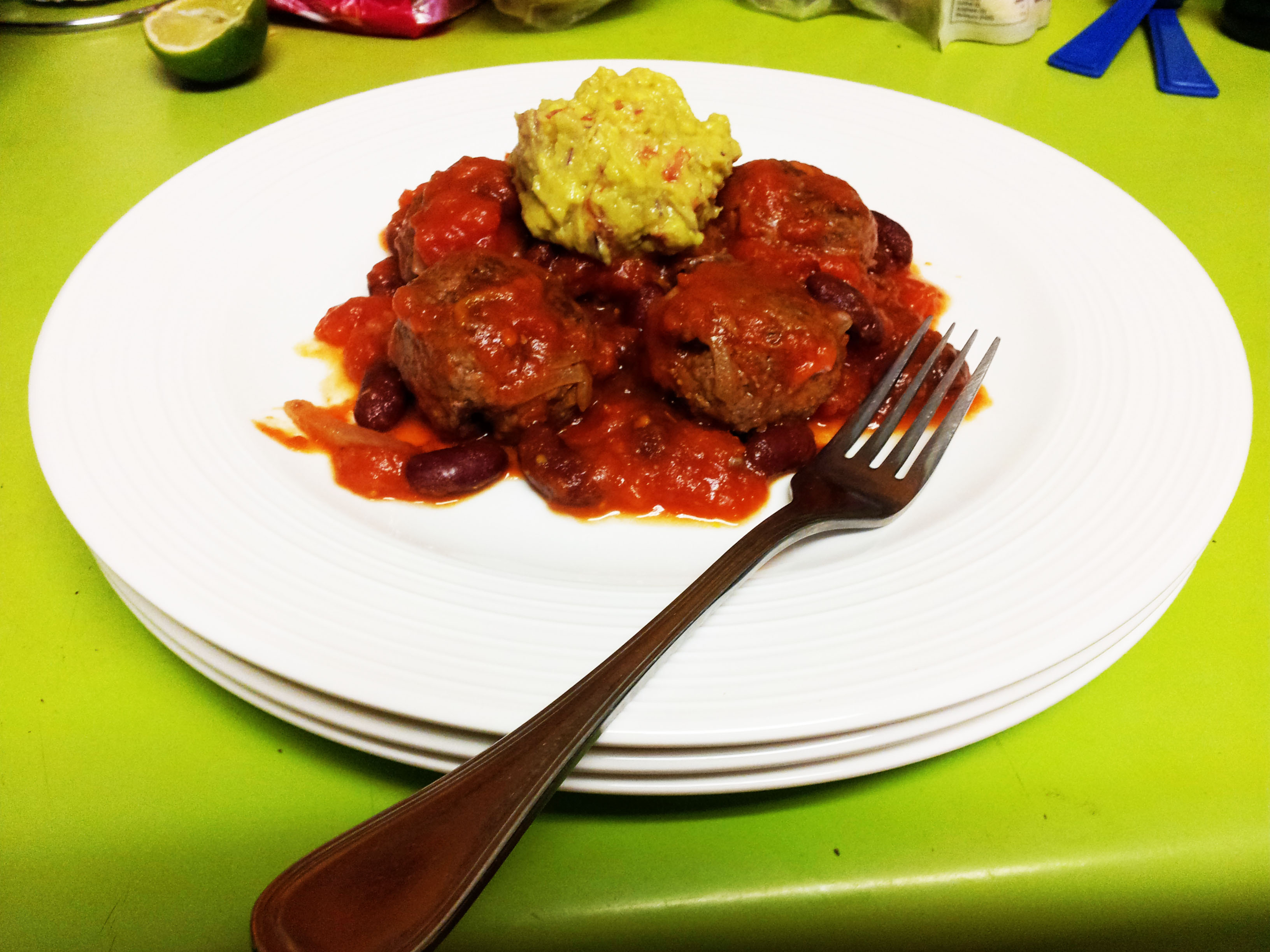 Spicy meatballs with guacamole